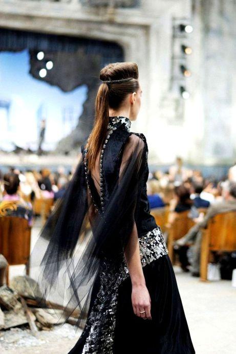 9a1ed613d0b9e5c8b9fdf33b874ad42edetails @ Chanel Fall 2013 Couture